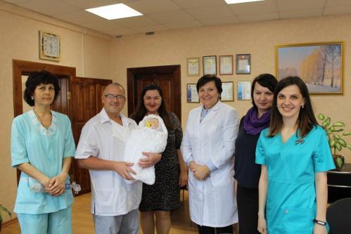 В Ульяновской областной детской клинической больнице появился новый манекен младенца для отработки врачебных навыков