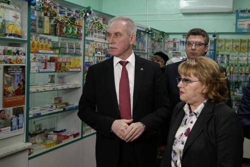 Губернатор Сергей Морозов поручил принять меры для бесперебойного обеспечения ульяновцев лекарствами в 2018 году